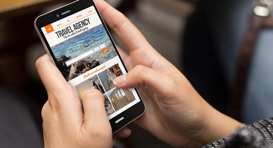 Online Reise buchen mit dem Smartphone